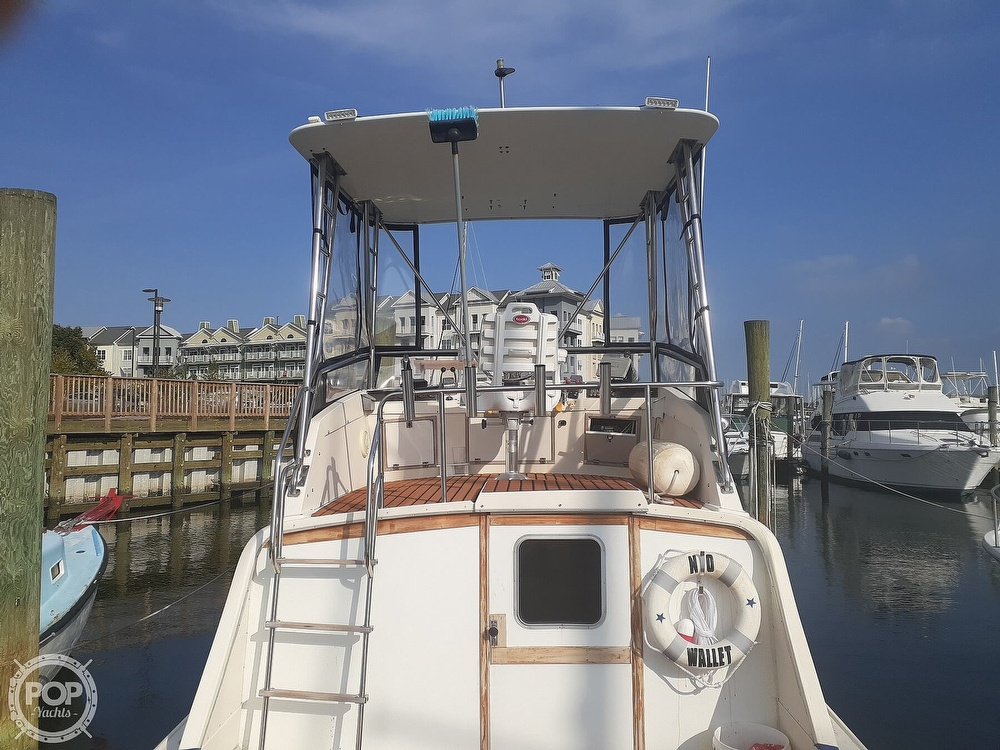 1982 Phoenix boat for sale, model of the boat is 29 Fly Bridge & Image # 7 of 40