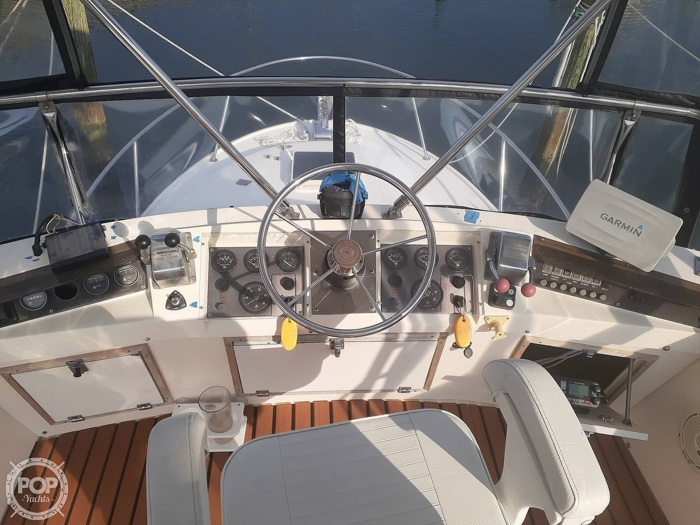 1982 Phoenix boat for sale, model of the boat is 29 Fly Bridge & Image # 28 of 40