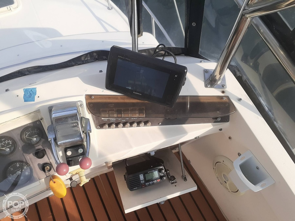 1982 Phoenix boat for sale, model of the boat is 29 Fly Bridge & Image # 35 of 40