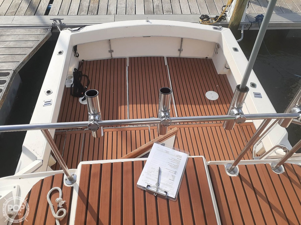 1982 Phoenix boat for sale, model of the boat is 29 Fly Bridge & Image # 38 of 40