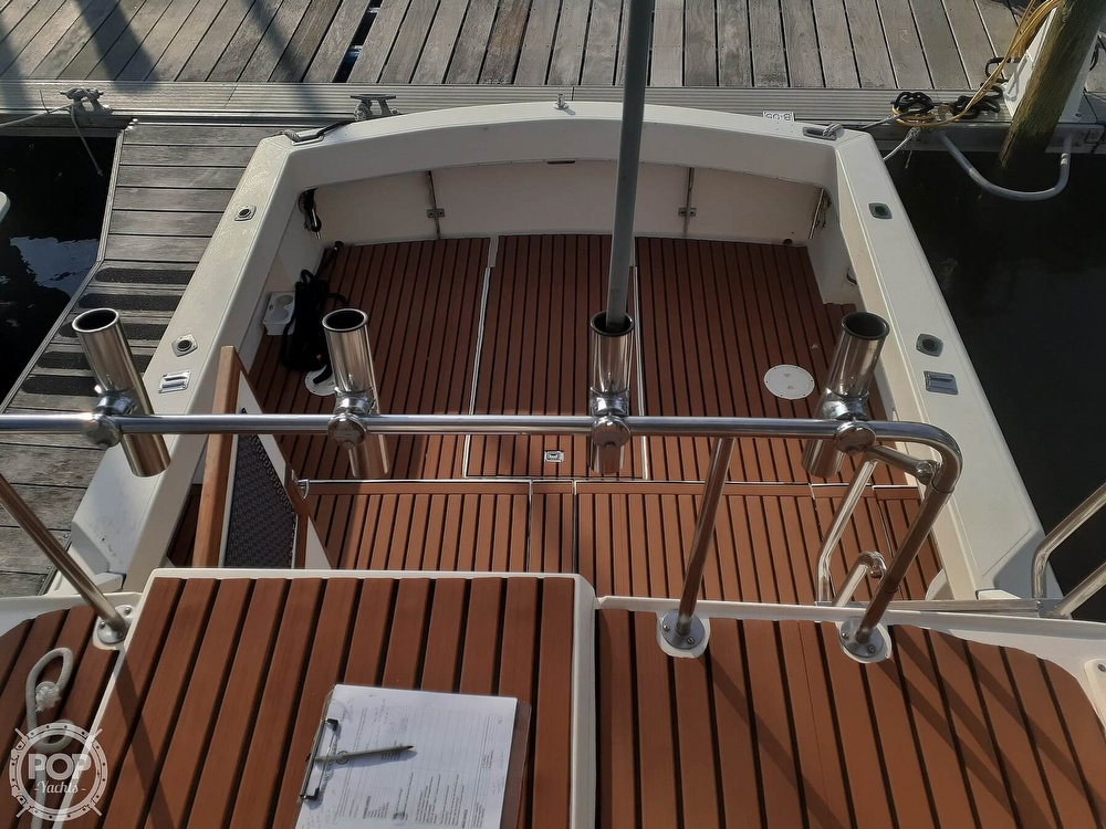 1982 Phoenix boat for sale, model of the boat is 29 Fly Bridge & Image # 19 of 40