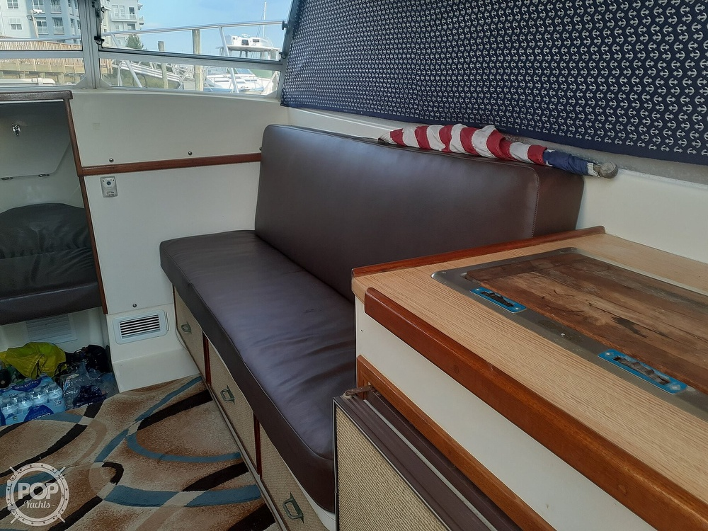 1982 Phoenix boat for sale, model of the boat is 29 Fly Bridge & Image # 13 of 40