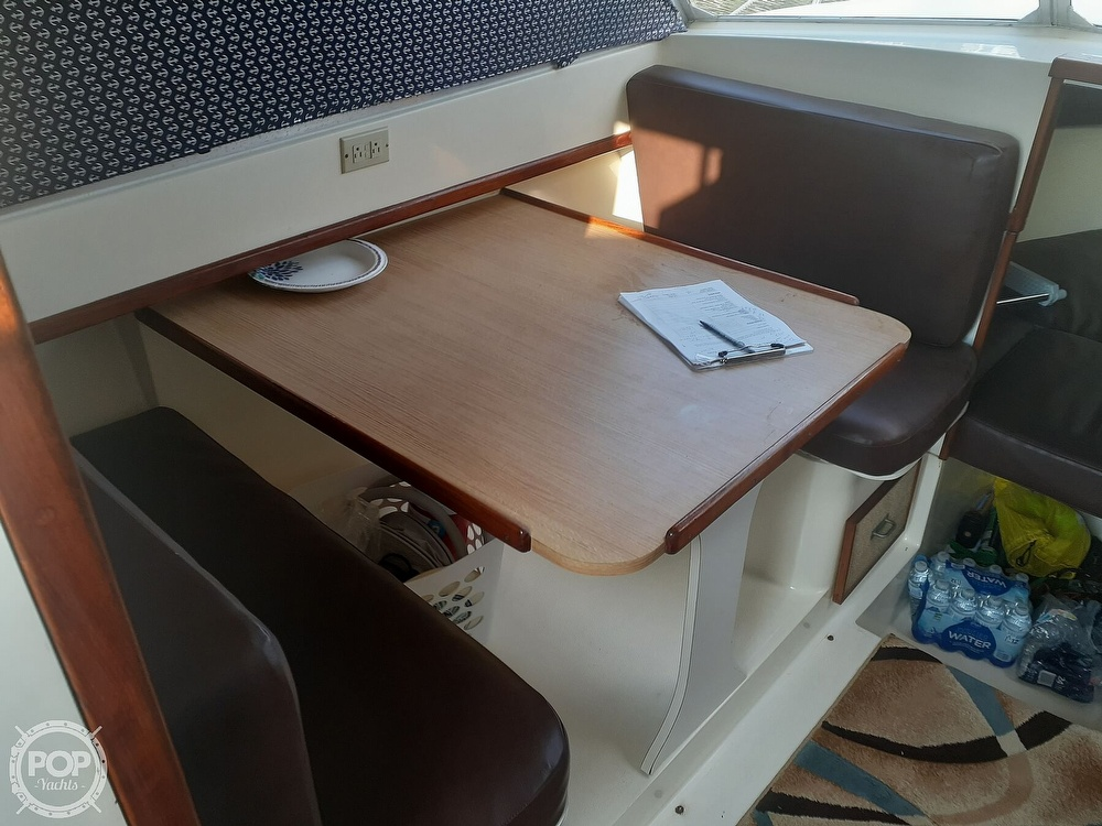 1982 Phoenix boat for sale, model of the boat is 29 Fly Bridge & Image # 14 of 40