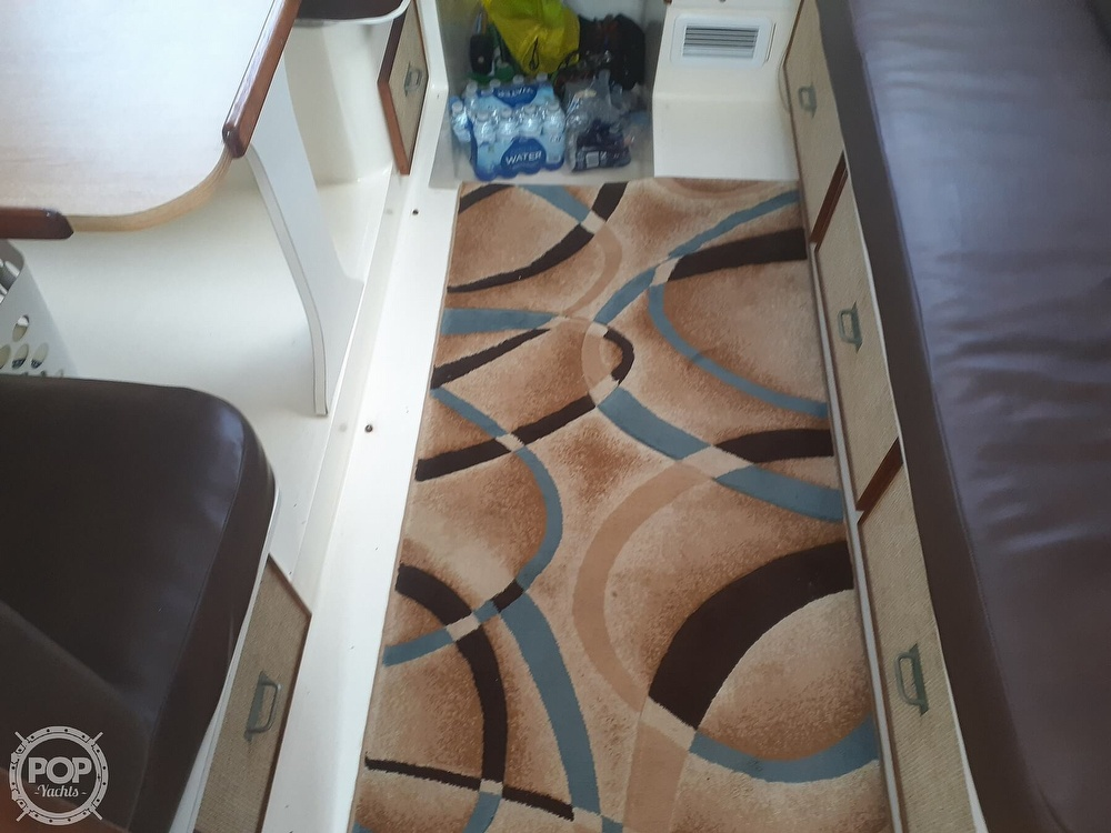 1982 Phoenix boat for sale, model of the boat is 29 Fly Bridge & Image # 16 of 40