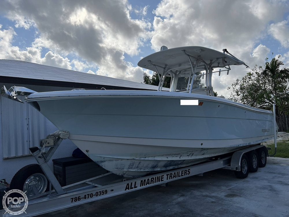 2015 Robalo boat for sale, model of the boat is R300 CC & Image # 4 of 40