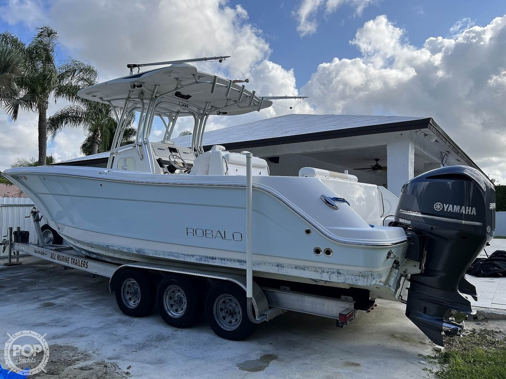 2015 Robalo boat for sale, model of the boat is R300 CC & Image # 5 of 40