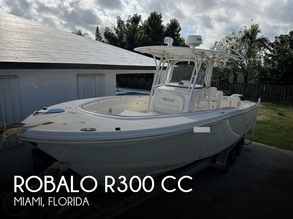 2015 Robalo boat for sale, model of the boat is R300 CC & Image # 1 of 40