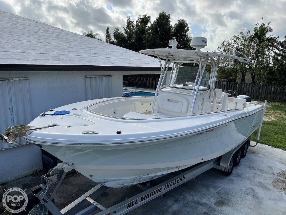 2015 Robalo boat for sale, model of the boat is R300 CC & Image # 9 of 40