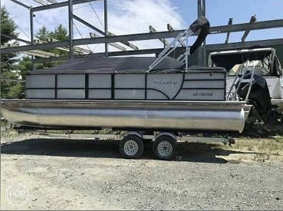 2021 Bentley boat for sale, model of the boat is 220 Cruise & Image # 2 of 40