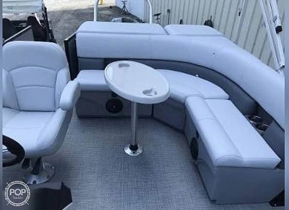 2021 Bentley boat for sale, model of the boat is 220 Cruise & Image # 6 of 40