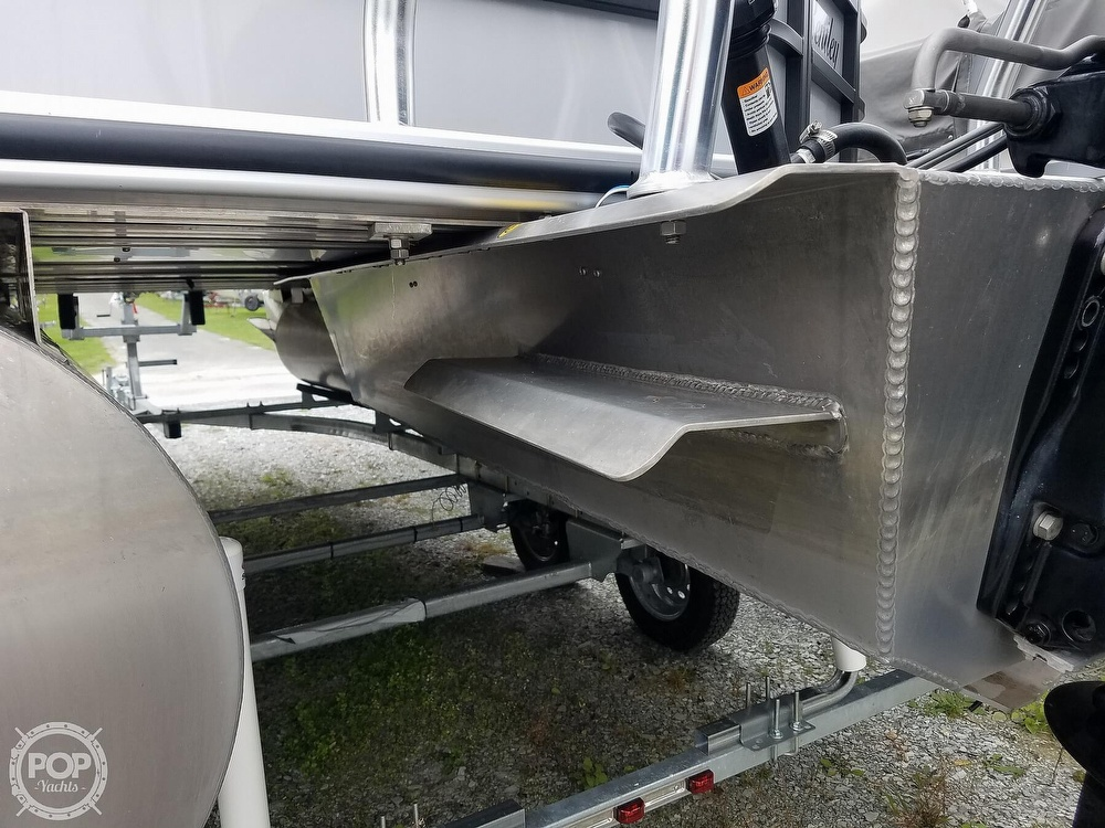 2021 Bentley boat for sale, model of the boat is 220 Cruise & Image # 16 of 40