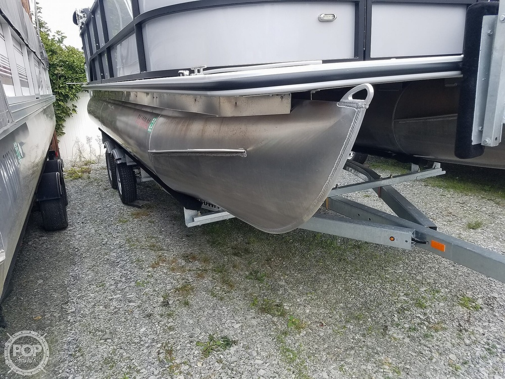 2021 Bentley boat for sale, model of the boat is 220 Cruise & Image # 24 of 40