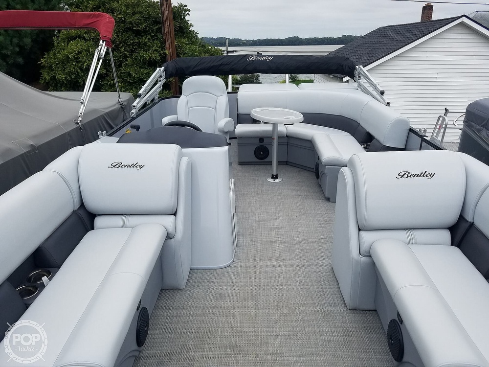 2021 Bentley boat for sale, model of the boat is 220 Cruise & Image # 25 of 40