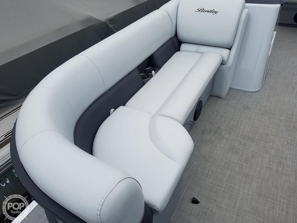 2021 Bentley boat for sale, model of the boat is 220 Cruise & Image # 26 of 40