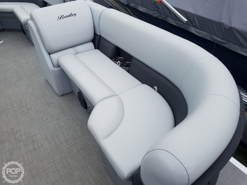 2021 Bentley boat for sale, model of the boat is 220 Cruise & Image # 27 of 40