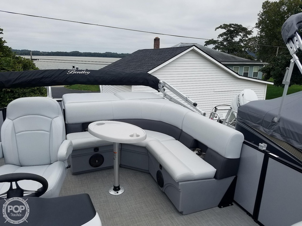 2021 Bentley boat for sale, model of the boat is 220 Cruise & Image # 28 of 40
