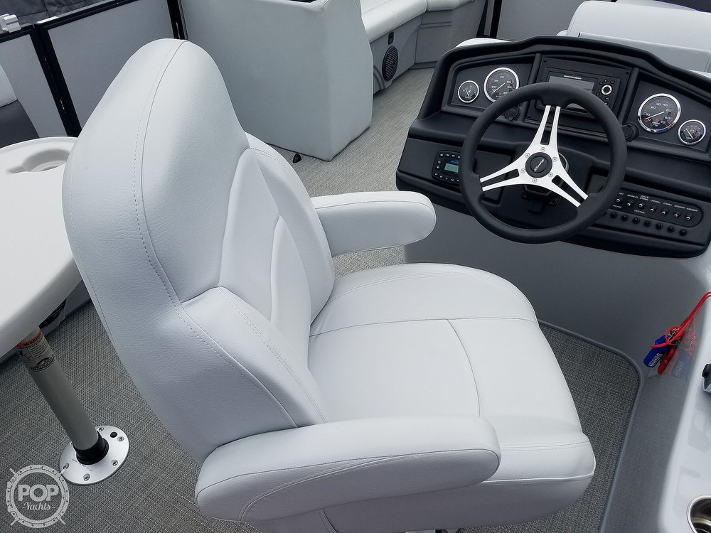 2021 Bentley boat for sale, model of the boat is 220 Cruise & Image # 33 of 40