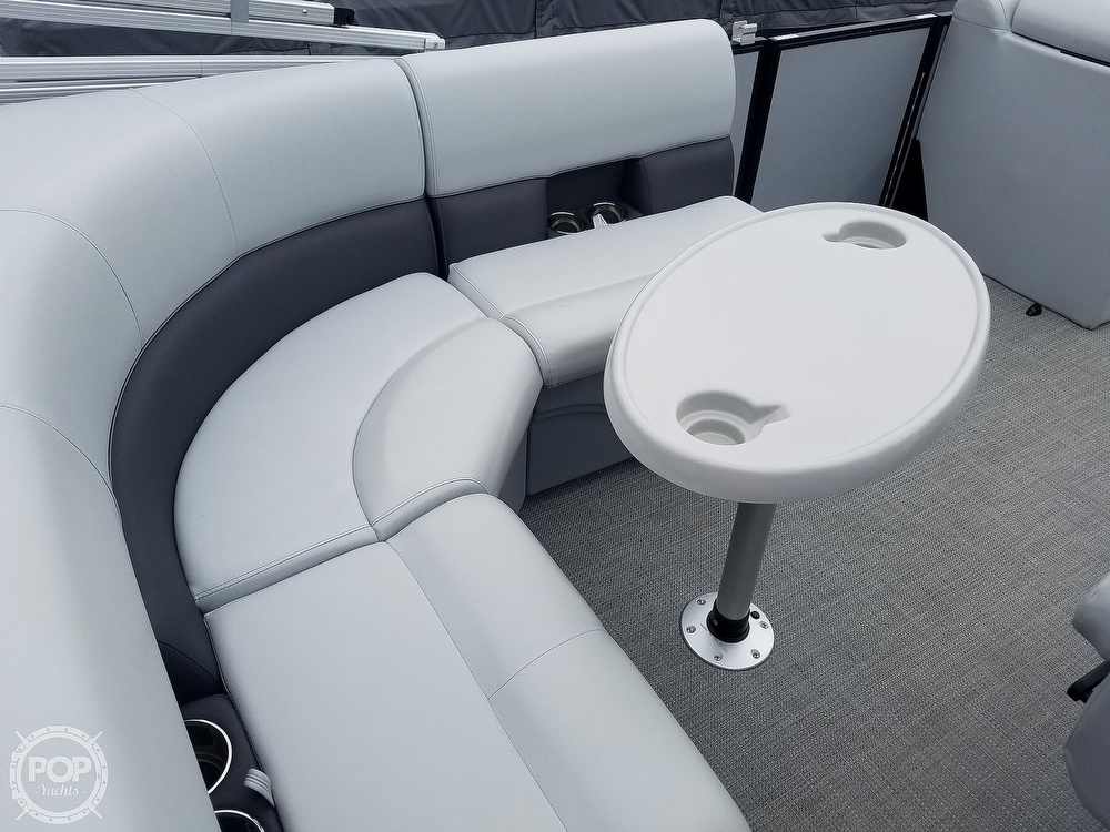 2021 Bentley boat for sale, model of the boat is 220 Cruise & Image # 34 of 40