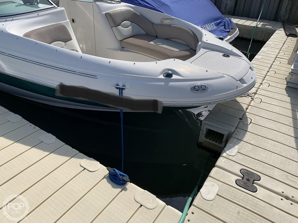 2004 Sea Ray boat for sale, model of the boat is 200 Sundeck & Image # 2 of 40