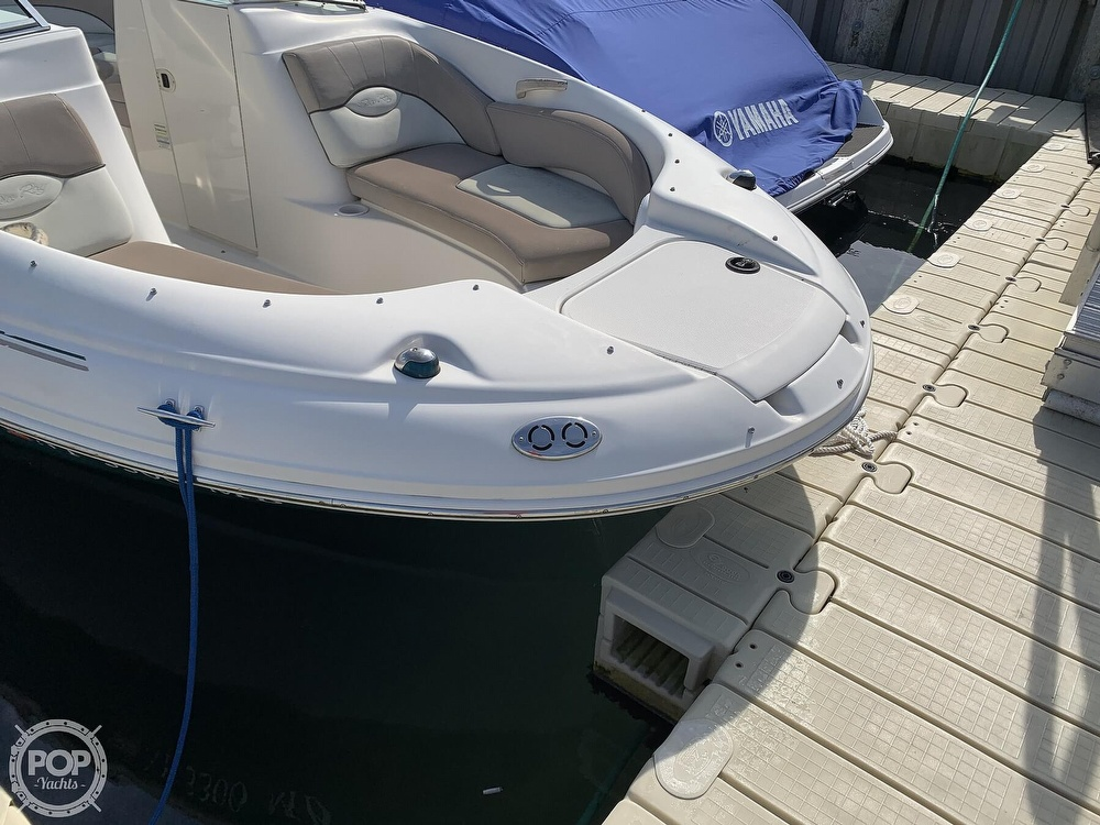 2004 Sea Ray boat for sale, model of the boat is 200 Sundeck & Image # 4 of 40