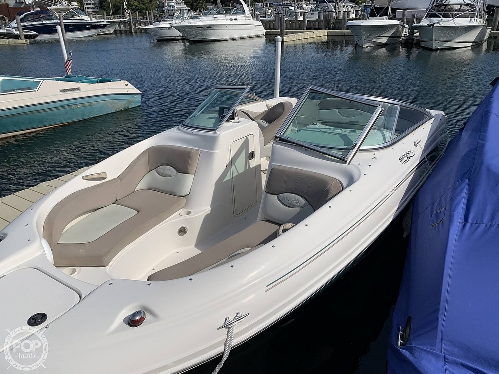 2004 Sea Ray boat for sale, model of the boat is 200 Sundeck & Image # 7 of 40