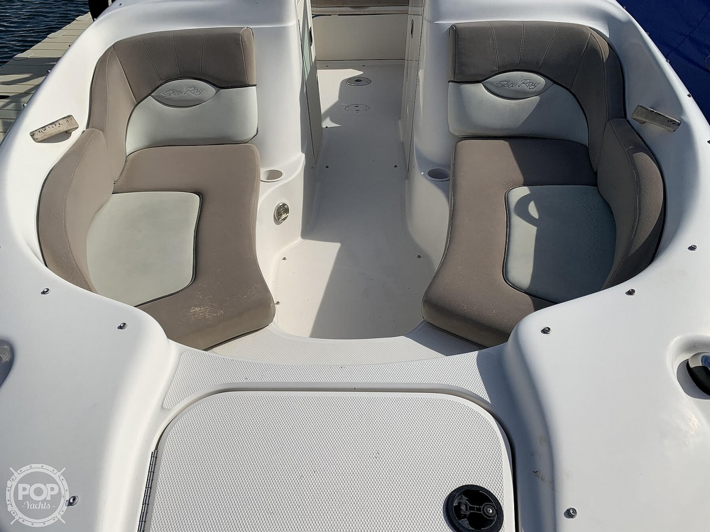 2004 Sea Ray boat for sale, model of the boat is 200 Sundeck & Image # 10 of 40