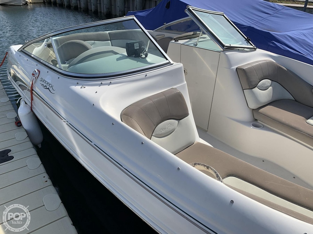 2004 Sea Ray boat for sale, model of the boat is 200 Sundeck & Image # 14 of 40