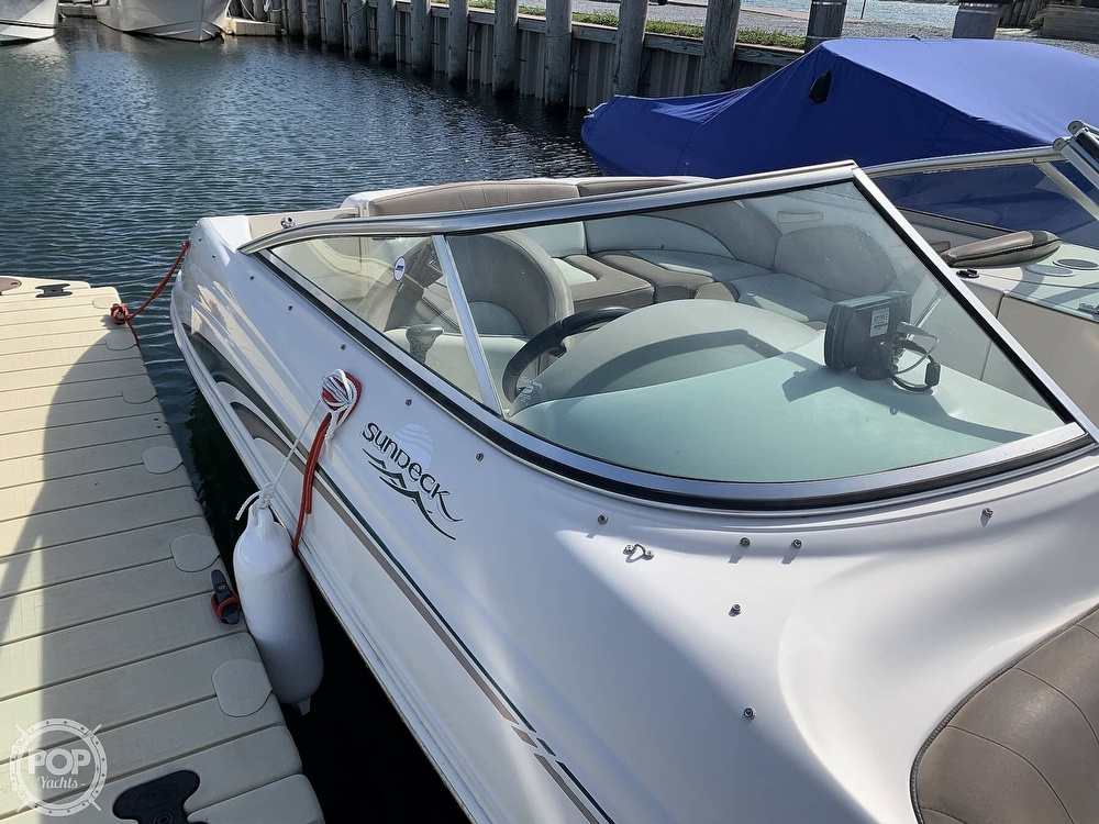 2004 Sea Ray boat for sale, model of the boat is 200 Sundeck & Image # 16 of 40