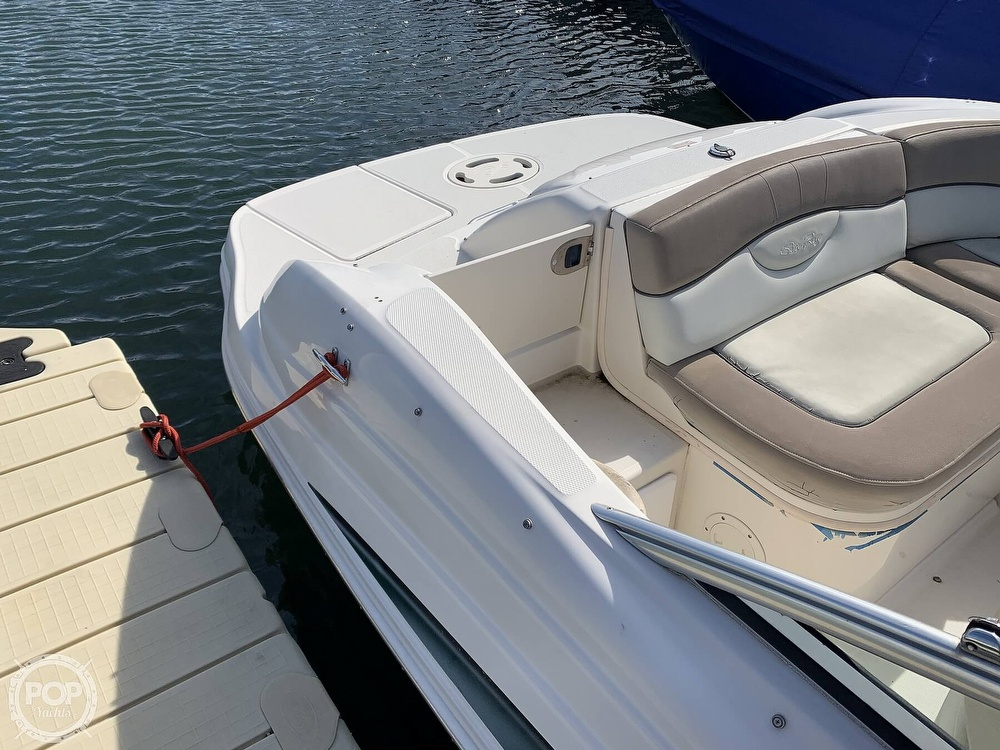 2004 Sea Ray boat for sale, model of the boat is 200 Sundeck & Image # 19 of 40