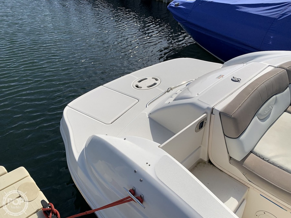 2004 Sea Ray boat for sale, model of the boat is 200 Sundeck & Image # 20 of 40