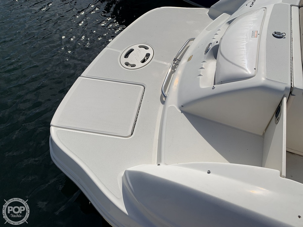2004 Sea Ray boat for sale, model of the boat is 200 Sundeck & Image # 21 of 40