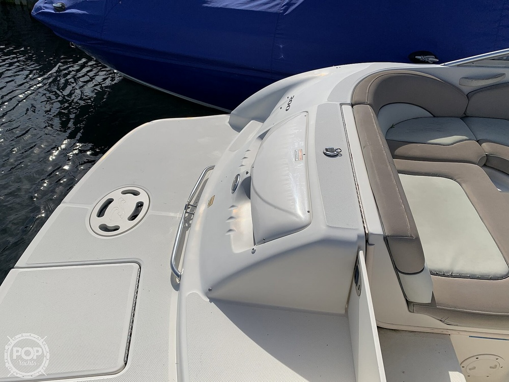 2004 Sea Ray boat for sale, model of the boat is 200 Sundeck & Image # 22 of 40