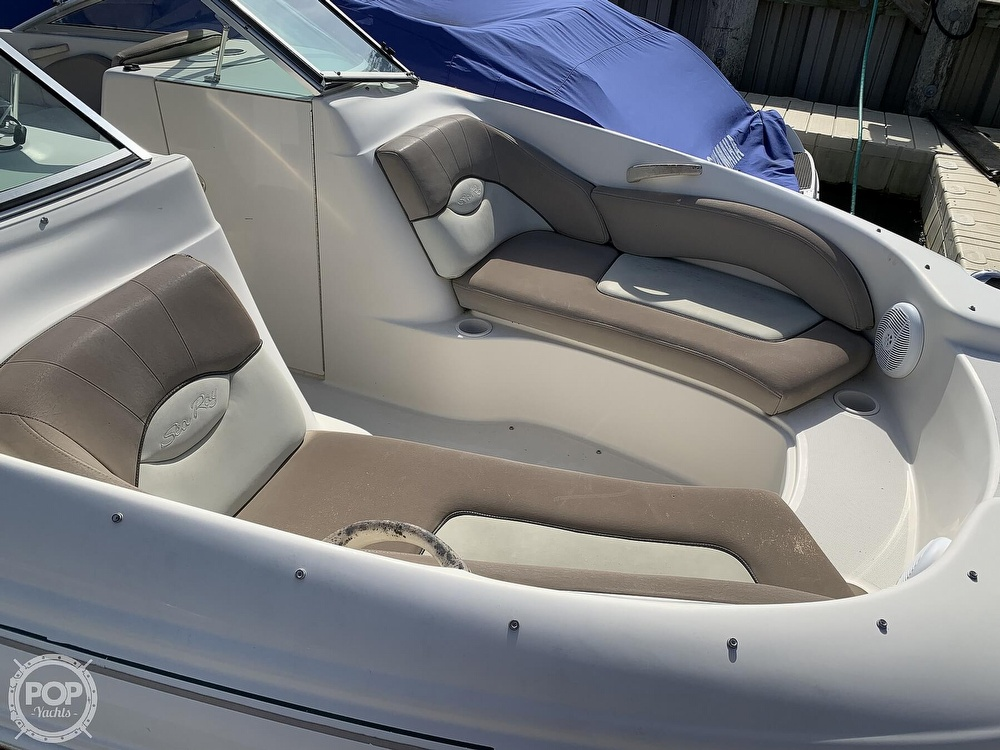 2004 Sea Ray boat for sale, model of the boat is 200 Sundeck & Image # 27 of 40