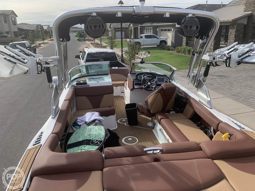 2019 Mastercraft boat for sale, model of the boat is XT22 & Image # 18 of 40