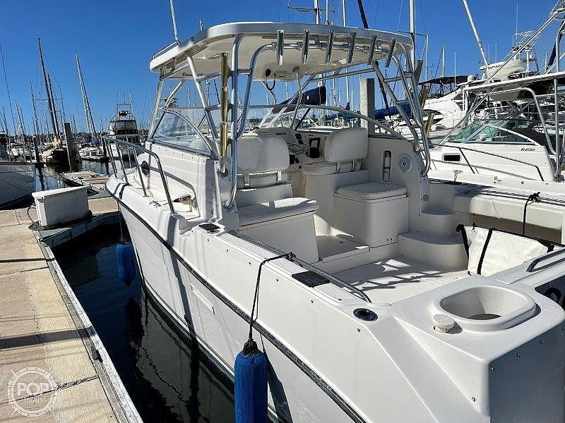 2006 Seaswirl boat for sale, model of the boat is Striper 2901 Sedan Sport Fisherman Hardtop & Image # 14 of 40