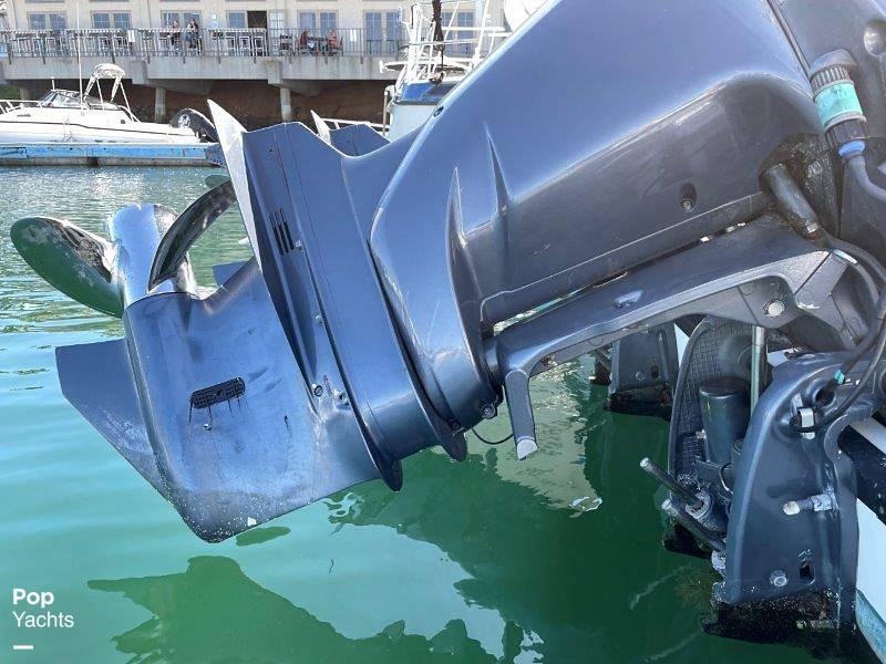 2006 Seaswirl boat for sale, model of the boat is Striper 2901 Sedan Sport Fisherman Hardtop & Image # 16 of 40