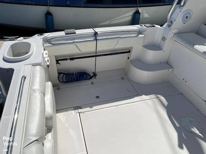 2006 Seaswirl boat for sale, model of the boat is Striper 2901 Sedan Sport Fisherman Hardtop & Image # 18 of 40