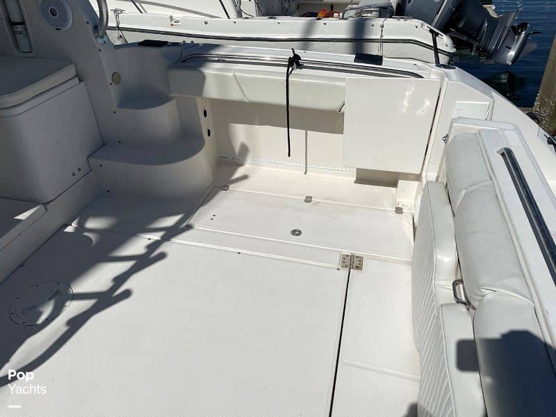 2006 Seaswirl boat for sale, model of the boat is Striper 2901 Sedan Sport Fisherman Hardtop & Image # 21 of 40
