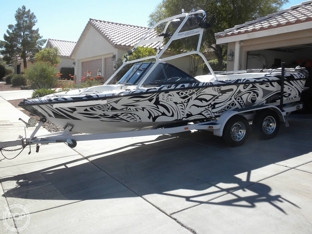 2001 Correct Craft boat for sale, model of the boat is Super Air Nautique 21 & Image # 2 of 40