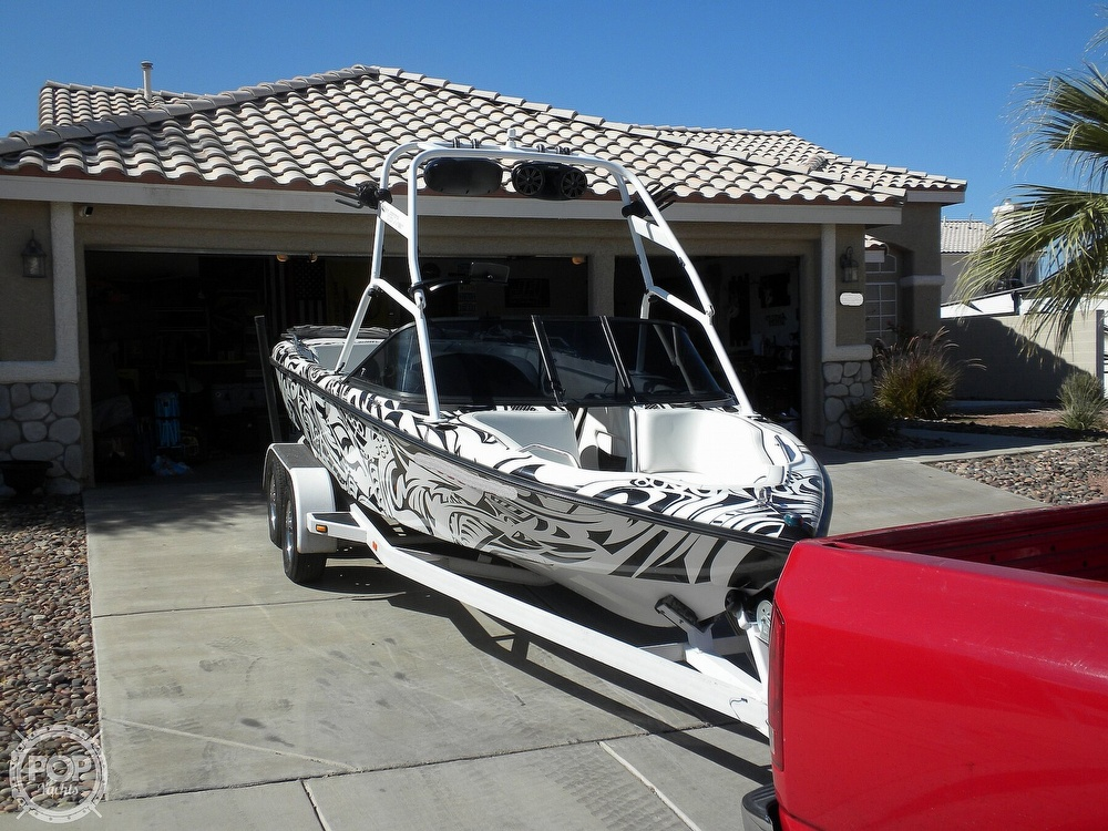 2001 Correct Craft boat for sale, model of the boat is Super Air Nautique 21 & Image # 3 of 40