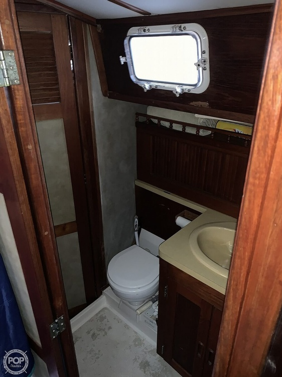 1976 Endeavour boat for sale, model of the boat is 37 & Image # 11 of 40