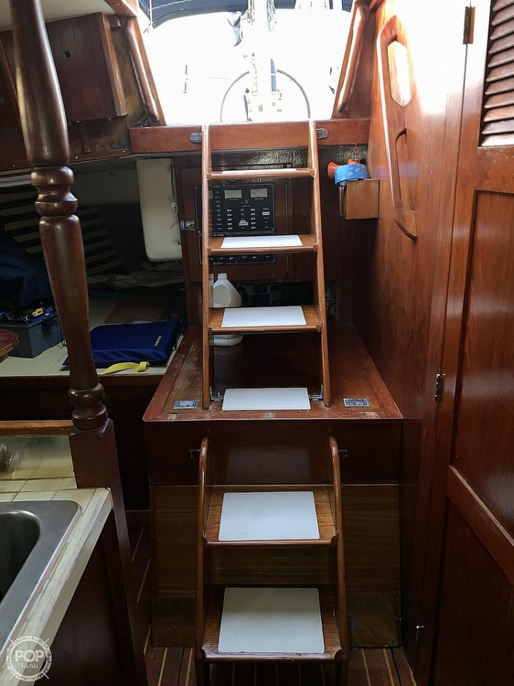 1976 Endeavour boat for sale, model of the boat is 37 & Image # 15 of 40