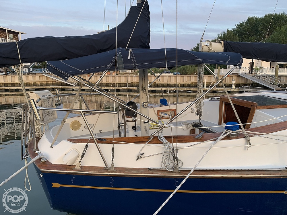 1976 Endeavour boat for sale, model of the boat is 37 & Image # 7 of 40