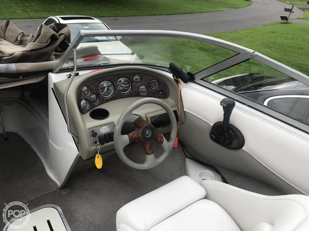 2005 Crownline boat for sale, model of the boat is 180 BR & Image # 36 of 40