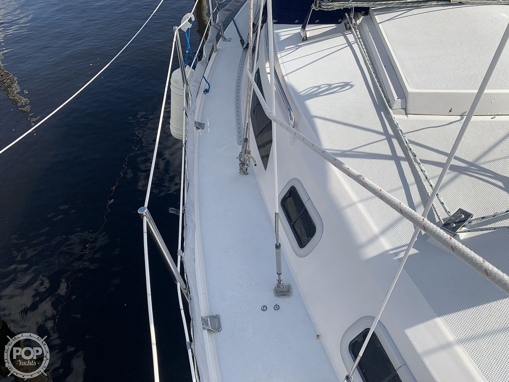 1994 Catalina Yachts boat for sale, model of the boat is 30 Mark III Tall Rig & Image # 37 of 40