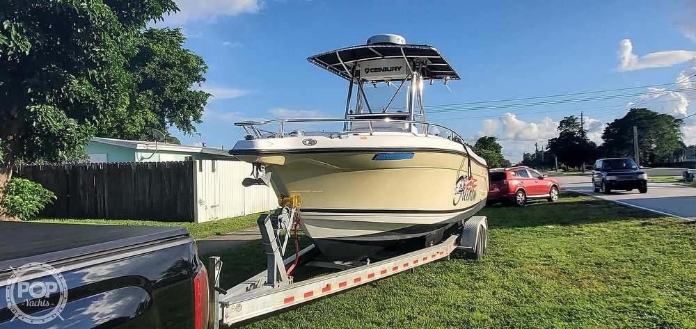 2005 Century boat for sale, model of the boat is 2600 CC & Image # 3 of 40