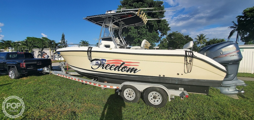 2005 Century boat for sale, model of the boat is 2600 CC & Image # 6 of 40