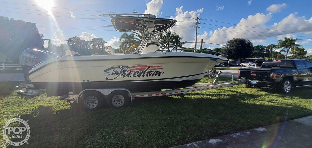 2005 Century boat for sale, model of the boat is 2600 CC & Image # 7 of 40