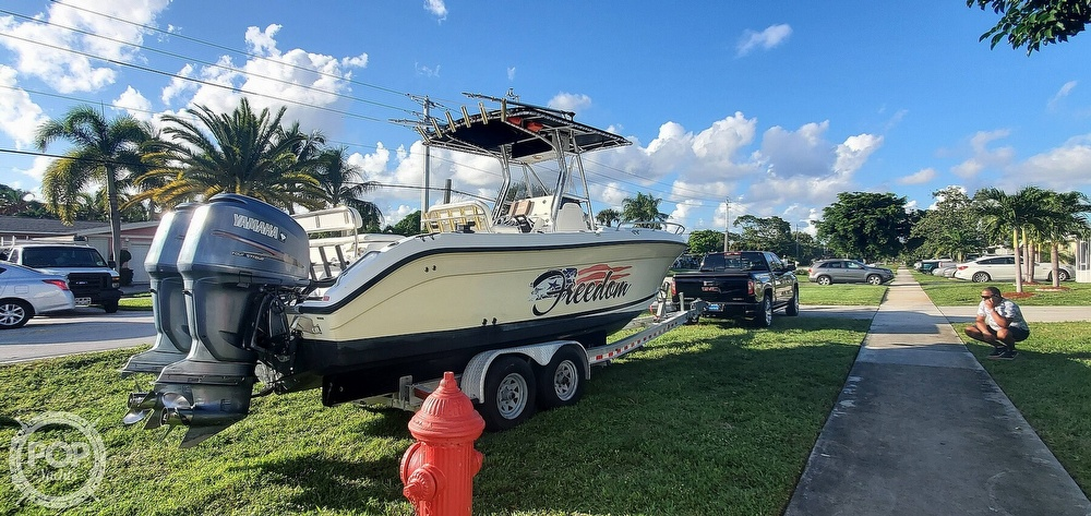 2005 Century boat for sale, model of the boat is 2600 CC & Image # 9 of 40
