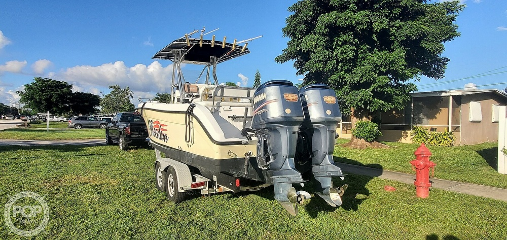 2005 Century boat for sale, model of the boat is 2600 CC & Image # 10 of 40